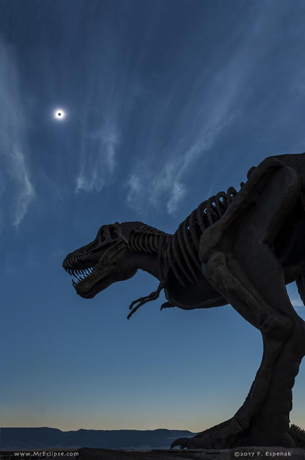 Astronomy Picture of the Day – Eclipsosaurus Rex